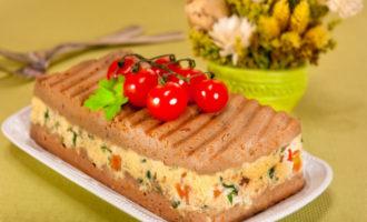 Паштет из куриной печени с сыром и зеленью