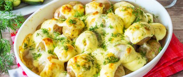 Картофель с чесноком и сыром